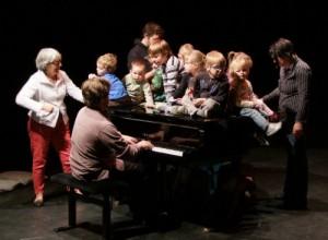 piano met kinderen